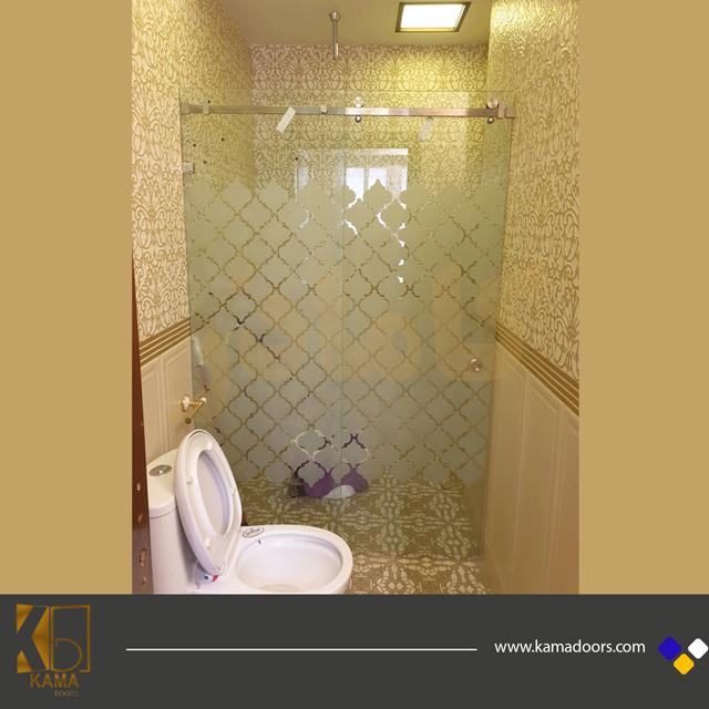 پارتیشن-شیشه-ای-سرویس-بهداشتی-سندبلاست